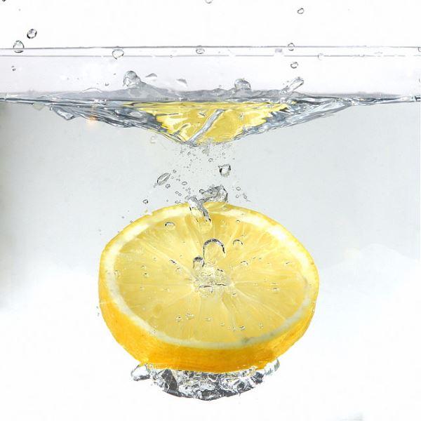 El limón con agua templada ayuda a adelgazar a los crossfitters