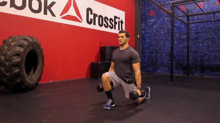 Lunges para el entrenamiento de piernas en CrossFit