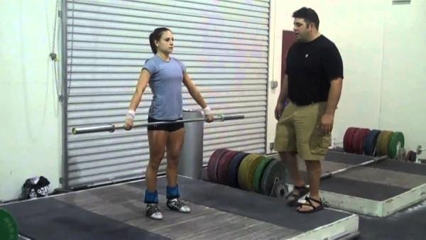 Busca un entrenador para combinar halterofilia y CrossFit