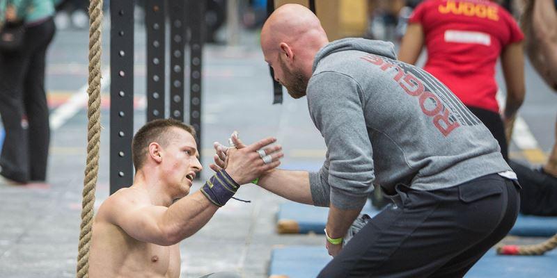 Cómo convertirte en entrenador de CrossFIt