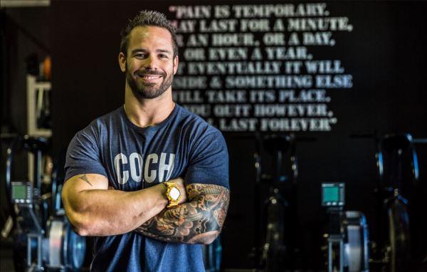 ¿Dónde puedes asistir a los cursos oficiales de entrenador de CrossFit?