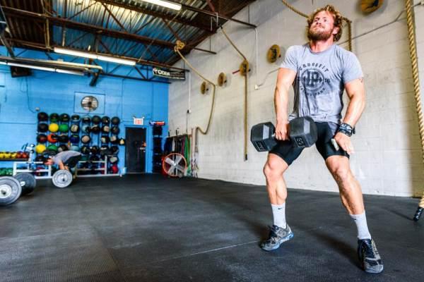 Practicar ejercicios inalcanzables es otro de los malos hábitos de los crossfitters