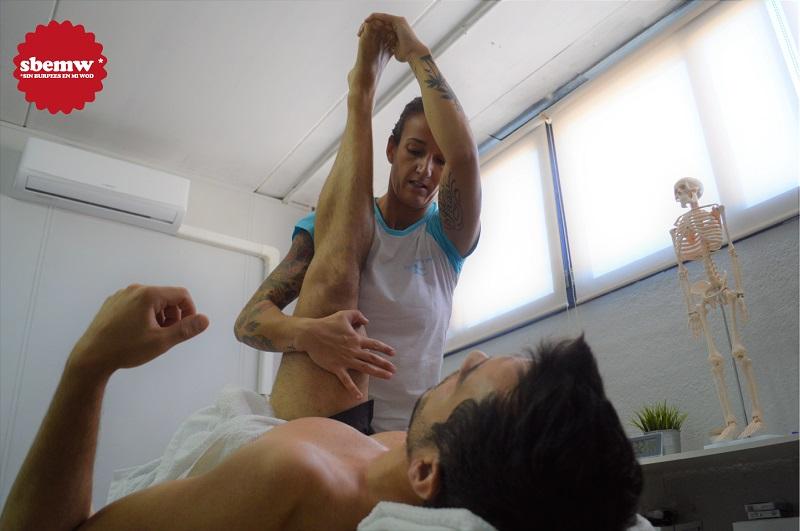 Esther Lopez fisio trabajando SBEMW