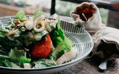 Cómo mantener la dieta comiendo fuera de casa