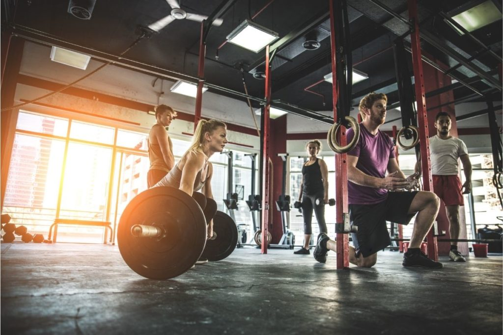 ejercicios gimnásticos en Crossfit